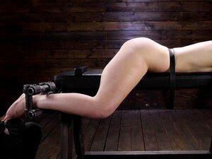 Danni Rivers, ein blasser Rotschopf, hat ihren Weg mit Stiefbruder in POV