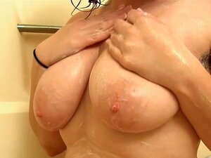 Laktierende Titten Haarige Muschi