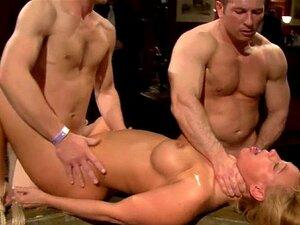 Nackt züchtigung Rohrstock