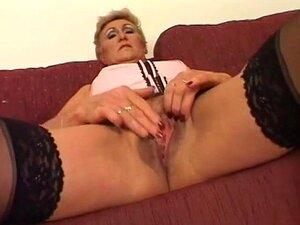 Frau mastrubiert alte Geile Alte