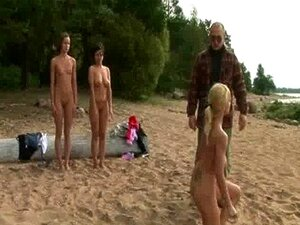 Am bilder nackt strand Nackt am