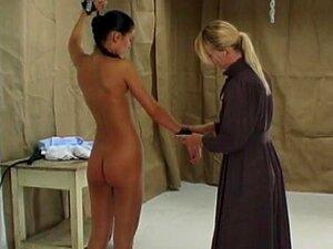 Auspeitschen nackt Kostenloses folter