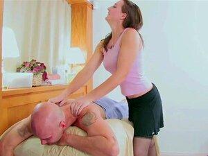Schwanz lutschen und Eier lecken Vicki Chase bekommt ihre haarige Muschi gefickt