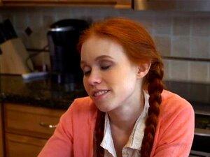 Dolly Little ist ein roter Engel und sie liebt es, große Schwänze im POV zu ficken