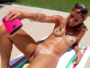 Nackt sonnen frauen Nackte Frauen