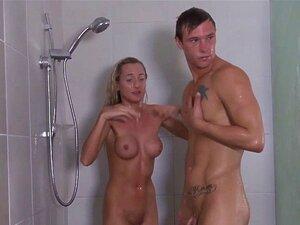 Mädchen Getting Gefickt Dusche