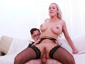 Kinky Kenzie Reeves will, dass ihr Freund sie fesselt und so hart wie möglich fickt