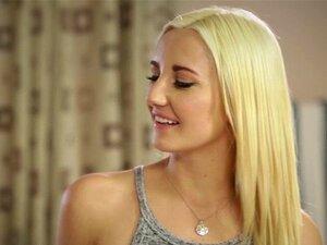 Sierra Nevadah, sinnliche Blondine, macht Liebe mit ihrem SO