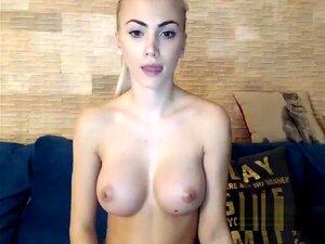 Blondine Große Titten Solo Dusche