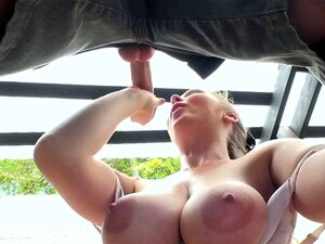 Amateur Große Titten im Freien