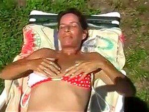 Garten hausfrau nackt im Hausfrauen