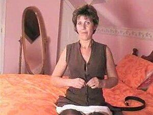 Babe Ana Rose fickt heimlich den Freund von Mama in ihrem Bett