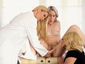 Lesbisch Arzt fickt Patientin Junge Patientin