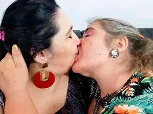 Brasilianisch Lesbisch Küssen Bbw Sinnlich BBW