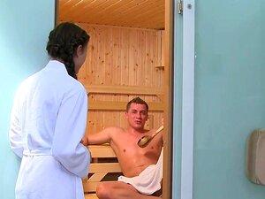 Sauna wichsen nackt Nackt Im