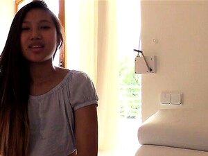 Amateur-Thai-Mädchen Maymay macht Liebe mit 2-Zoll-Wiener
