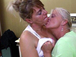Sex oma lesben Mature Lesbian