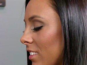 Gianna Dior hat ein orgasmisches Debüt in der allerersten Szene