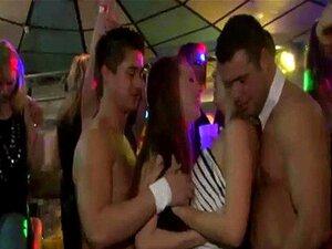 Blowjob Badezimmer Während Party