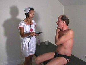 Bei musterung nackt Nackt Musterung