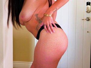 Die makellose Cassidy Banks zeigt ihre heiße Muschi im Solo-Clip