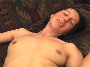 Teen Kristen Scott schert mit kurviger MILF Cherie DeVille nach einer Massage