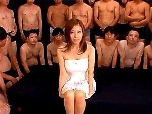 Grooling haarige Fotze von Nagisa Sasaki wird geschlagen