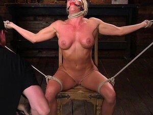 Sklaven nackt auspeitschen