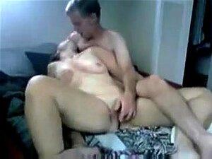 Nackt grfilmt freundin Freundin heimlich